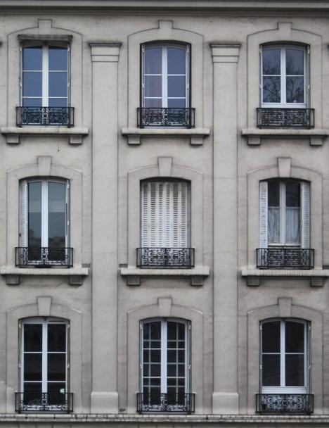 Paris windows, photo/copyright: Carly Swenson 2011