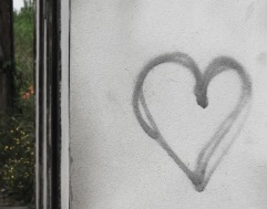 heart graffiti, Terceira, 2011