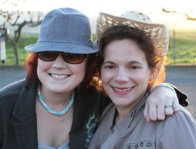 Dia das Amigas...with hats!