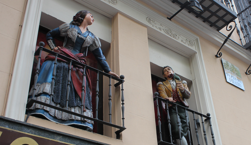 I don't know the reason for the fake-humans-on-balconies, but they looked fun.