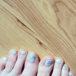 Disco toes!